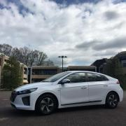 Hyundai Ioniq in twello